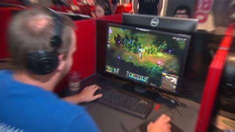 left  job  finance  play video games aug