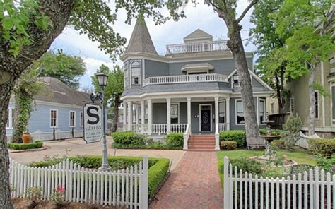 most charming towns in america america s 20 most charming cities travel leisure