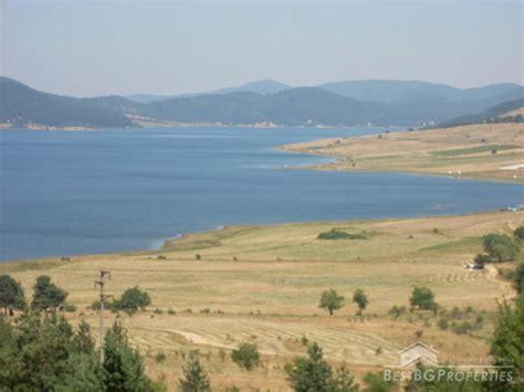 la terrazza sul lago trama trama sul lago di batak