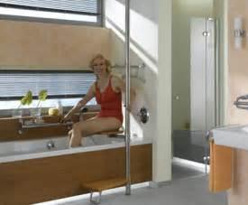 senioren badewanne einstiegshilfe f 252 r badewannen erlau seniorengerechte