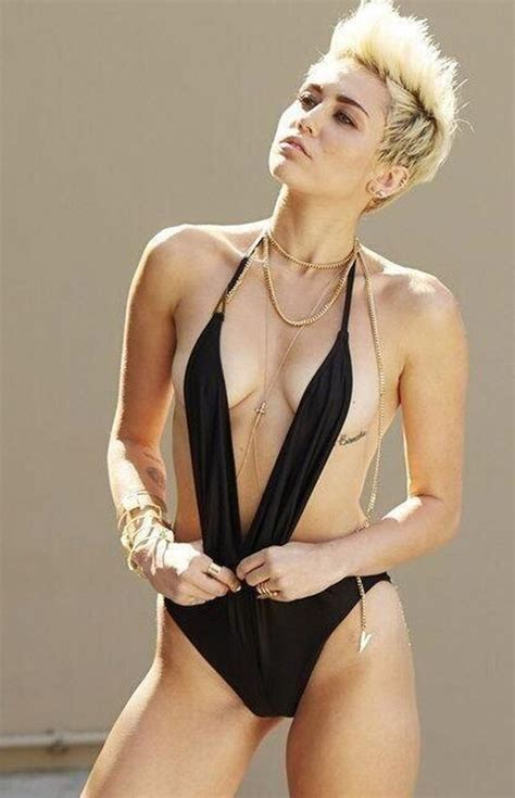 imagenes hot miley cyrus miley cyrus sexy swimsuit for new single we can t stop