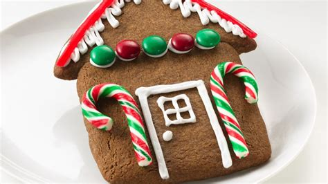 simple gingerbread house easy gingerbread house cookies recipe bettycrocker com