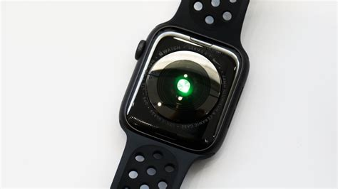 Apple Series 4 Of 6 by Apple Series 4 In Pictures Take A Look At Apple S Monitoring Wearable Cnet
