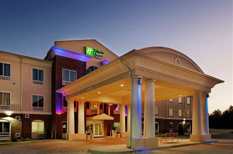 oxford hotels and inns inn express hotel suites talladega in oxford