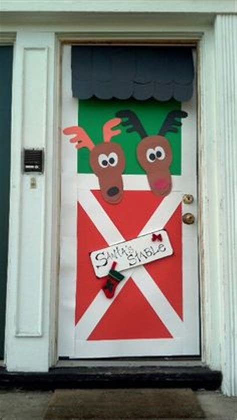 apartment door christmas decorating contest ideas 1000 images about door covers on bulletin boards reindeer and