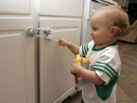 8 Tips To Childproof Your Home by 10 Tips To Baby Proof Your Home Don T Skip 1
