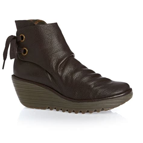 fly yama boots brown free uk delivery on