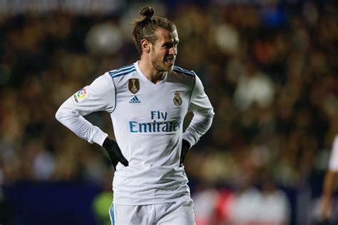 Soccer Figure Gareth Bale Real Madrid gareth bale to tottenham four figure bets overnight see odds tumble on stunning deal daily