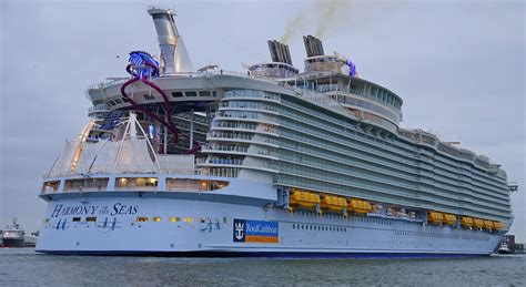 what is the biggest cruise ship in the world 31 great worlds biggest cruise ship harmony of the seas