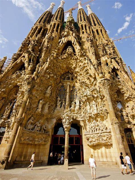 La Sagrada Familia Travel Information   Map, Facts