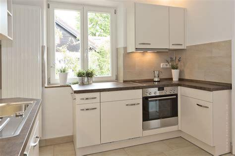 L Kitchen Designs by Wir Renovieren Ihre K 252 Che Kleine Kueche In Muenchen