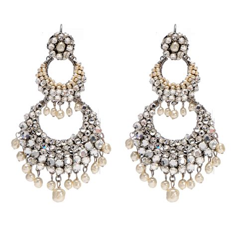 Earring Chandelier Things To Keep In Mind When It Comes To Chandelier Earrings Pink Earrings