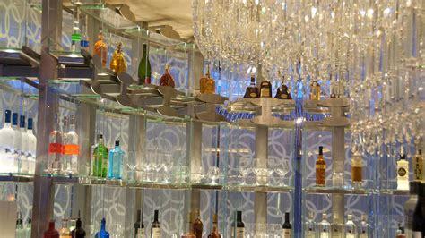 chandelier bar las vegas the chandelier bar galavantier