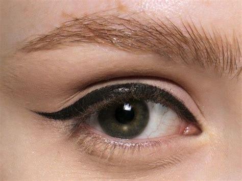 Eyeliner Di Indo eyeliner come usarlo senza errori ecco i trucchetti