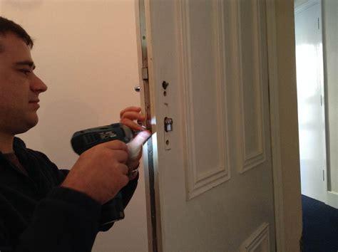 Lu Emergency L locksmith tolworth kt5 emergency locksmiths unlock