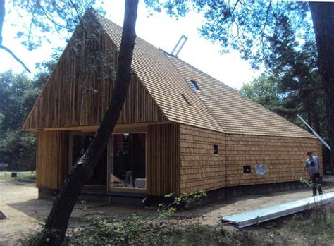 leien dak dekken houten dak dak te repareren
