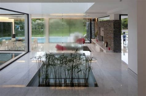 Living Room Water Feature by 10 Rooms With An Indoor Water Feature