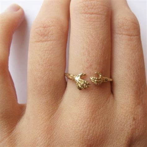 Jewels: ring, gold, gold ring, hands, hand ring, tumblr