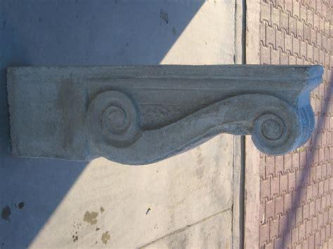 mensole per balconi eshop mensola sotto balconi in cemento grigio