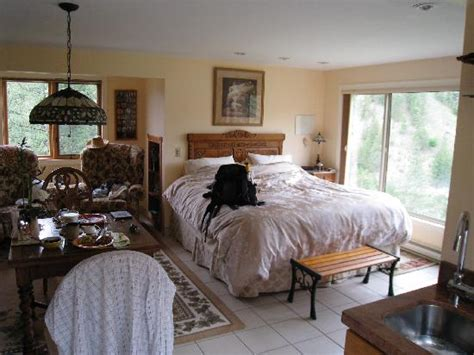 inside of house inside the guest house picture of grape escape guest