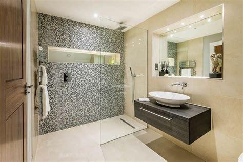 box doccia mosaico piastrelle bagno mosaico le piastrelle decorazione bagno
