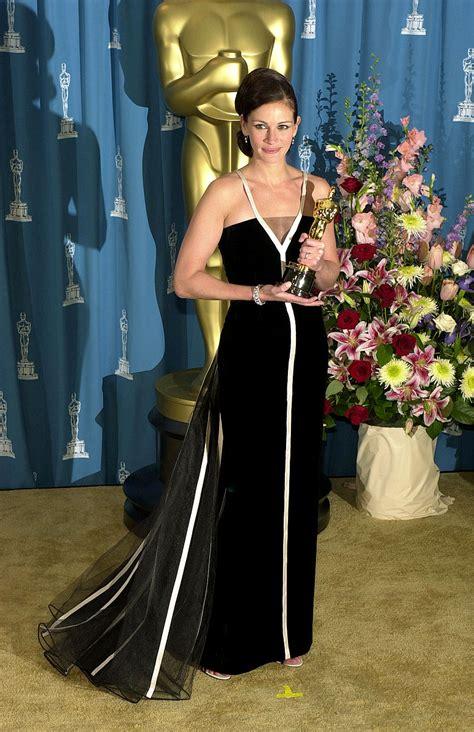 film oscar julia roberts best oscar dresses of all time julia roberts julia