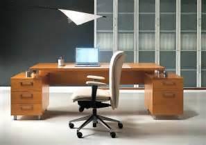 riesen schreibtisch como decorar una oficina econ 243 mica