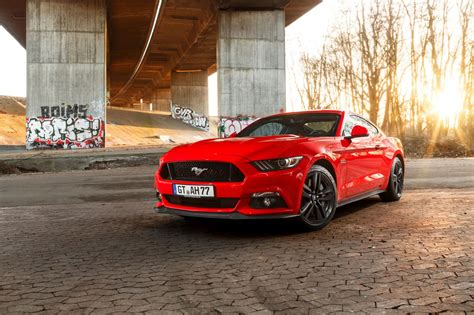 der ford mustang als fastback convertible bei ford