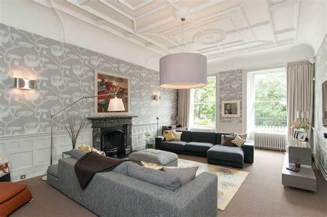 good Interior Decoration Ideas For Living Room #5: An-English-townhouse-gets-a-lift-1.jpg