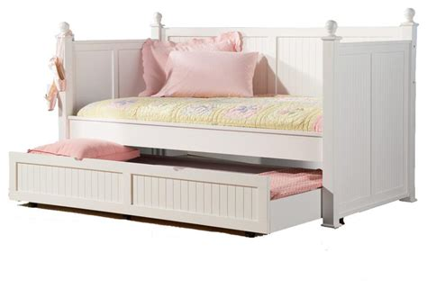 Day Bed Headboards by Classic Poster Wood Daybed Posts Beadboard Arm