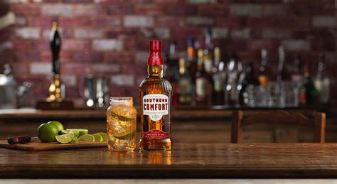 Southern Comfort New Orleans by Southern Comfort Launches New Bottle Design Bartender Hq Cocktails Bar Culture And More