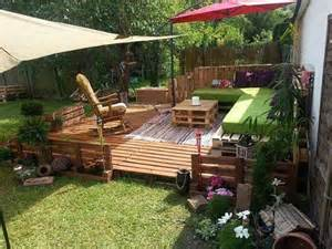 pallet deck with pallet patio furniture outside