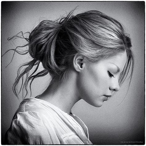 side profile of hairstyles modest girl hairstyle sideview black and white