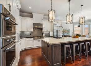 Light Fixtures Over Kitchen Island by 25 Best Ideas About Kitchen Lighting Fixtures On
