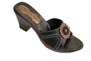 B Berry Kulit Motif Hitam romero sandal dan sepatu