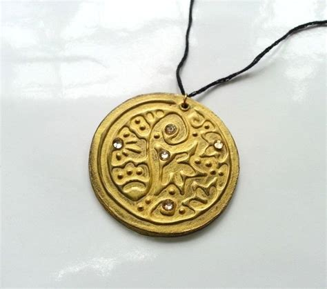 diy embossed pendants 183 how to make a paper necklace