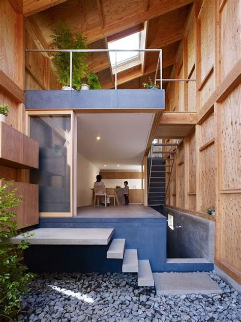 home design center enniskillen house in a small and narrow site in kanagawa japan
