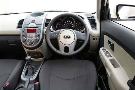 Kia Soul Interior Accessories Kia Soul Hatchback 2009 2013 Features Equipment And