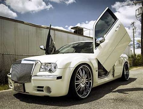 Pimped Out Chrysler 300 by Chrysler 300 Pimped Out Chrysler Imported From Detroit