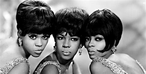 clothing and hair styles of the motown era dare to be supreme the new york times