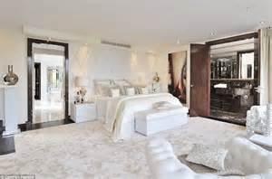 knightsbridge penthouse will set you back 163 60 000 a week 40 luxury bedroom ideas from celebrity bedrooms