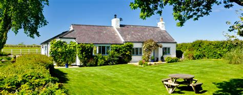 cottage holidays uk luxury cottages on anglesey from white