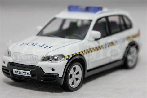 kereta bmw x5 bmw x5 polis police diraja malaysia pdrm 169 diecast white