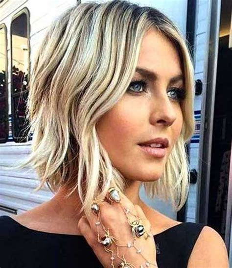short layered hairstyles with middle parts best middle part bob ideas on pinterest middle part sew