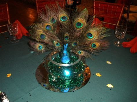 Peacock centerpieces with Green and Red settings ? Raji