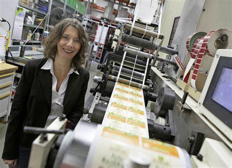 Etiketten Drucken Freiburg by Fs Etiketten Erweitert Und Investiert Ins Werk