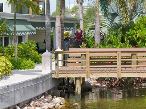 waterfront br private deck access houses for rent in bayfront luxury waterfront cottage private dock