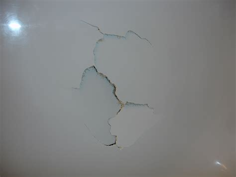 bathtub crack repair fixing a cracked bathtub 28 images austin fiberglass repair company now offers