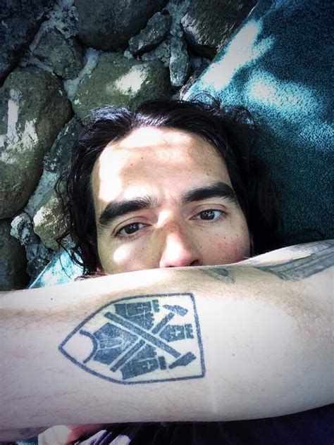 russell brand tattoo removed brand naykdpoet