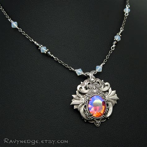 the gallery for gt elven pendant